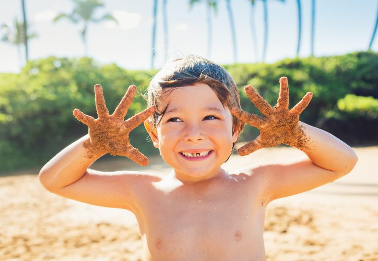 sandy kids and hand sand removal system